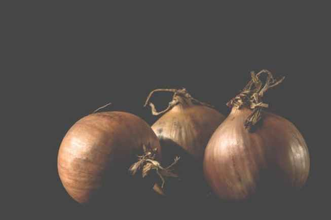Onion Juice for Itchy Scalp