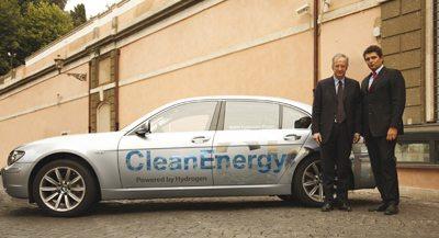 Castronovo consegna a Walter Veltroni una BMW Hydrogen 7
