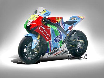 2007-46-500-fiat-motogp-rossi-valentino-yamaha-02.jpg