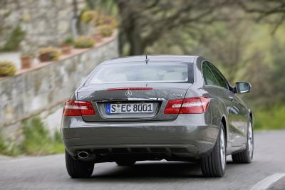 mercedes-benz-classe-e-coupe-perfetto-mix-di-fascino-ed-efficienza-02