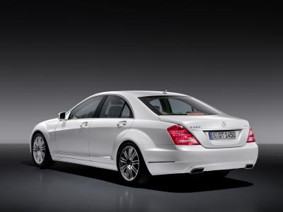 nuova-mercedes-benz-s-400-hybrid-03