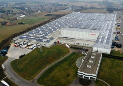 Toyota obiettivo zero emissioni, inaugurato il tetto a pannelli solari per il centro ricambi europeo 02