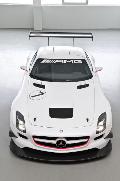 Mercedes SLS AMG GT3 versione da corsa della nuova ali di gabbiano 00