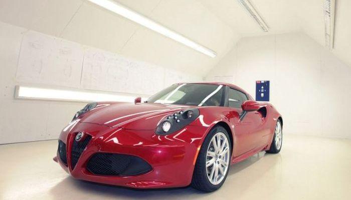 Alfa Romeo 4C: stato dell'arte di una 'supercar compatta'
