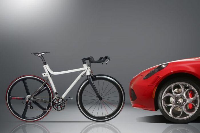 Ecco l'Alfa Romeo a due ruote con prezzi a partire da 3.500 euro 04
