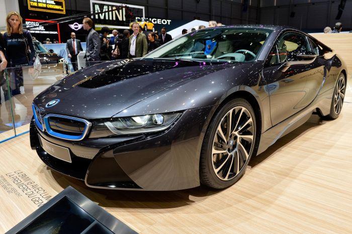A giugno le consegne di BMW i8, supercar con consumi da utilitaria 3