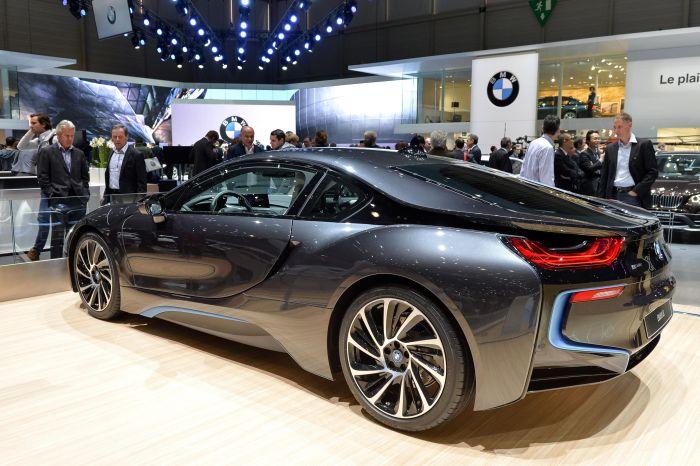 A giugno le consegne di BMW i8, supercar con consumi da utilitaria 6