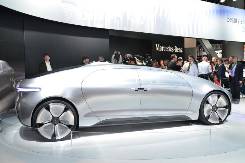 Mercedes-Benz F 015 Luxury in Motion 1