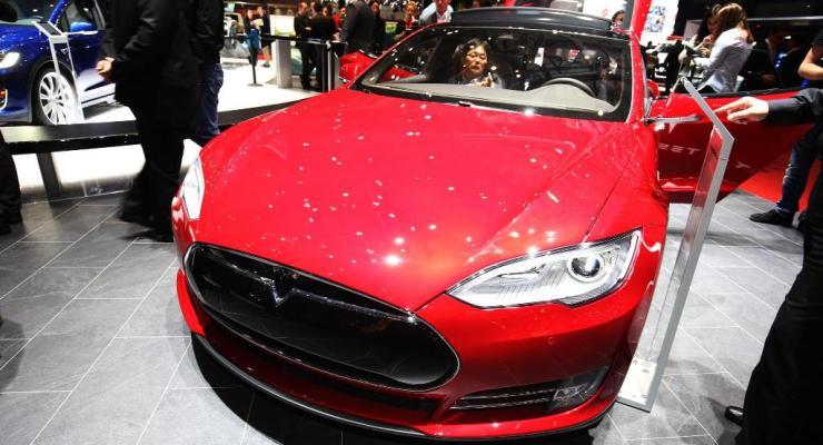 Da 0 a 100 Km/h: è la Tesla Model S P100D l'auto di serie più veloce al mondo