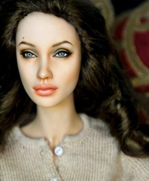 muneca barbie famosas angelina jolie