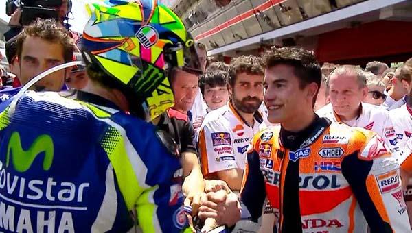 Rossi dan Marc Marquez Handshake
