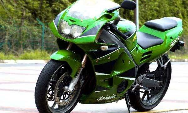 Kawasaki Ninja ZXR250