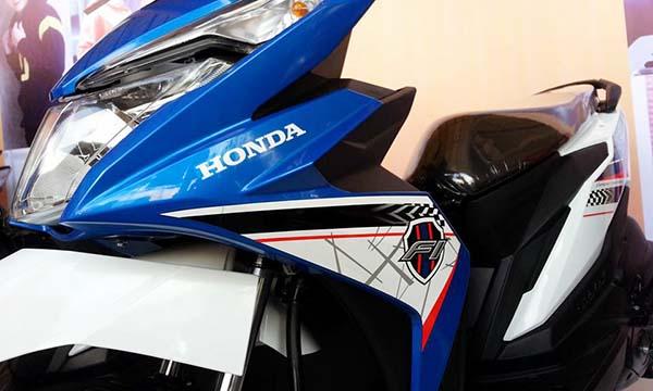 Honda BeAT warna biru