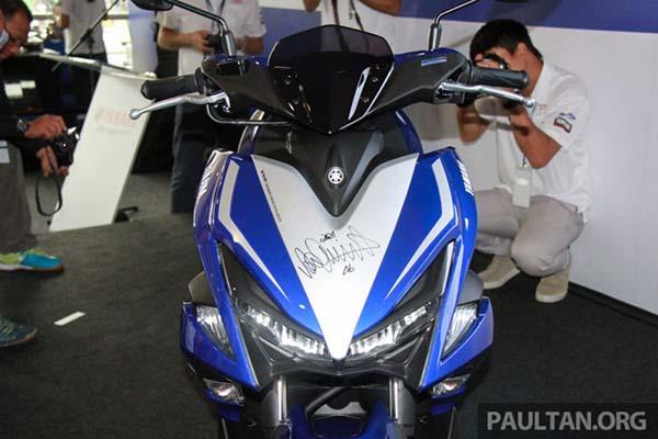Yamaha Aerox 155 tanda tangan Rossi