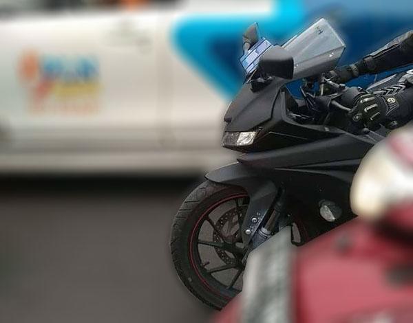 Headlamp Yamaha R15 2017 dari samping