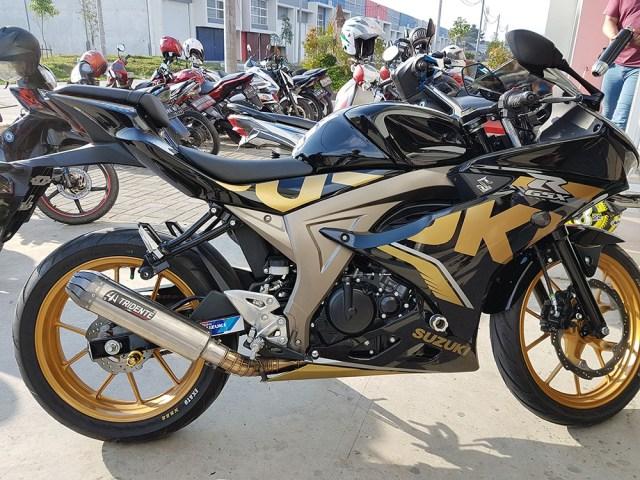 Suzuki GSX-R150 Stripe Gold
