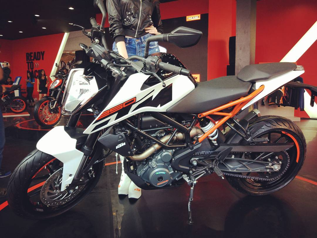 Ktm Duke 250 2017 Audi Sw Blogotive