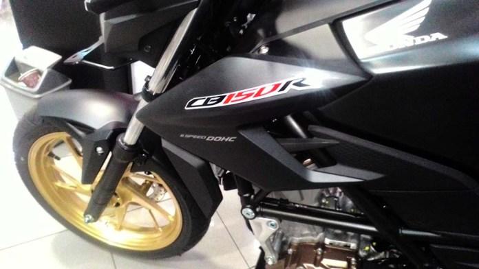 Ketemu Honda CB150R Velg Cat Emas