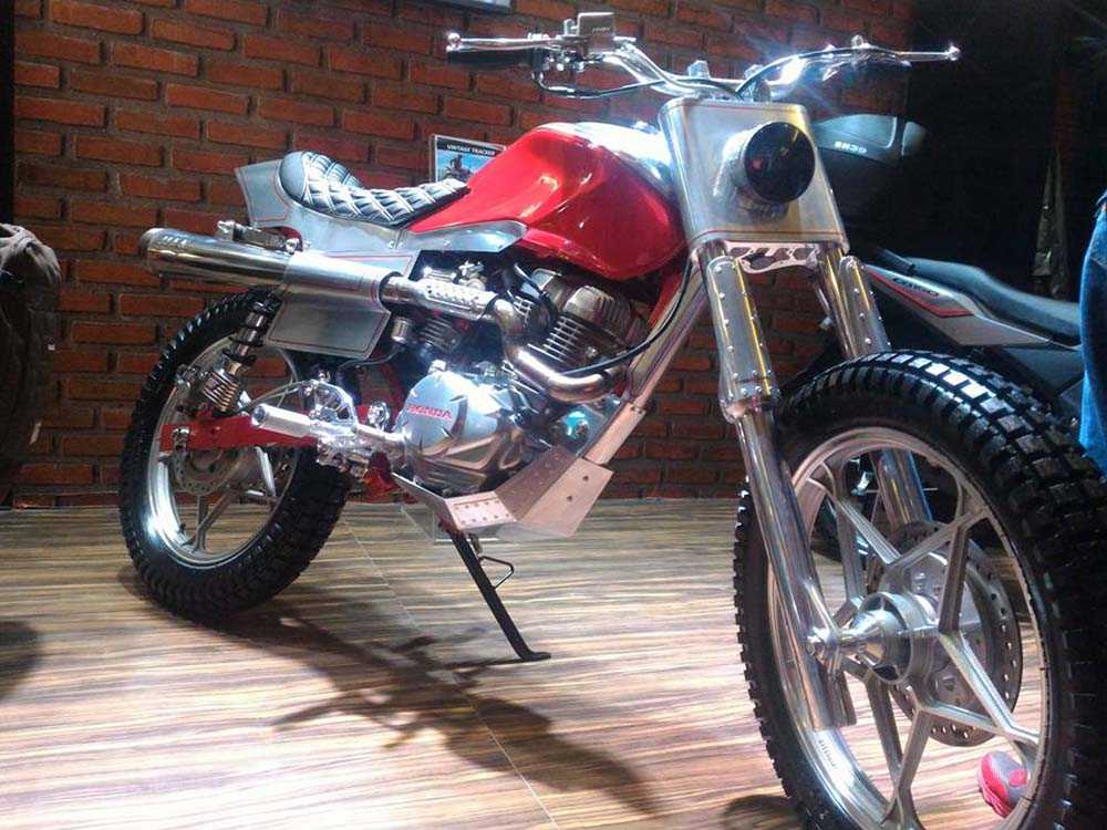Modifikasi Honda CB150 Verza Cafe Racer