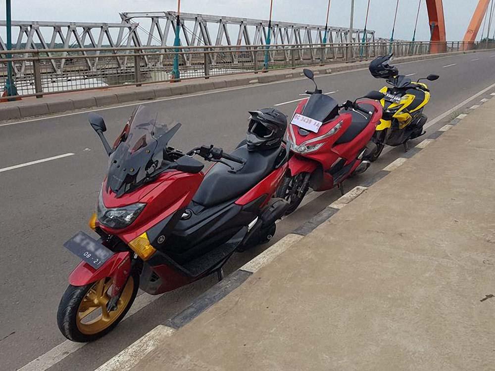 Yamaha NMax, Honda PCX dan Aerox bersanding