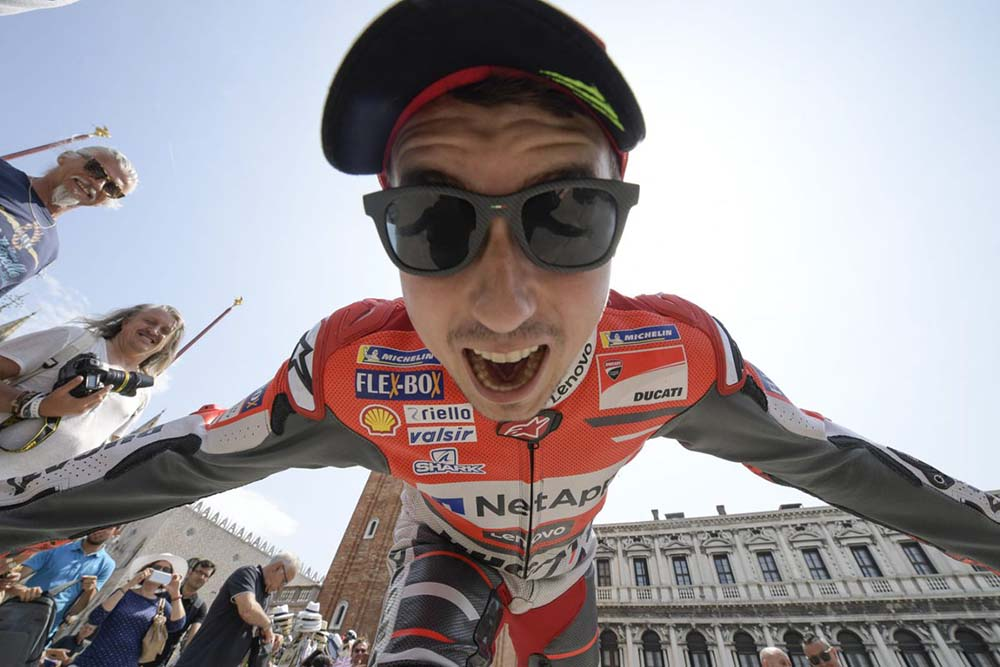 Lorenzo juara MotoGP Italia