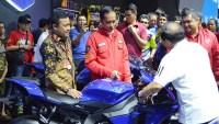 Jokowi melihat langsung Yamaha R1