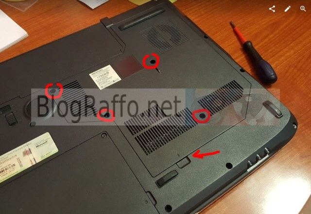 Acer 7720g rimozione copertura inferiore
