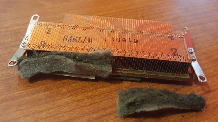 Dissipatore CPU GPU intasato dalla polvere - Il notebook si spegne da solo