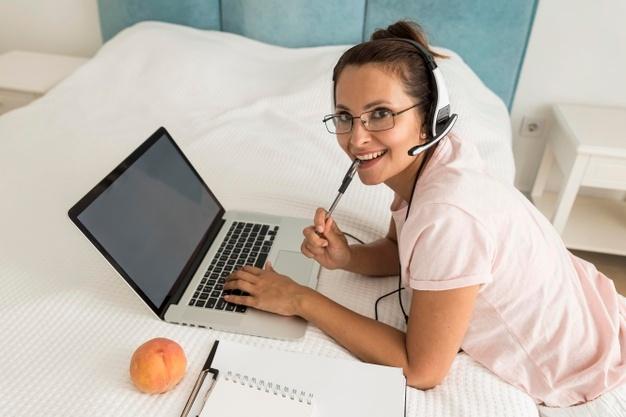 Responsable service client en télétravail