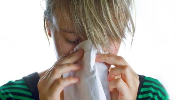 Sinusite Mal di Testa e Naso Che Cola