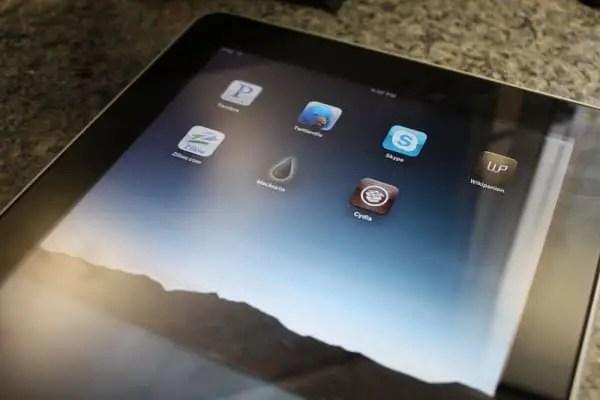 resized blackra1n on iPad