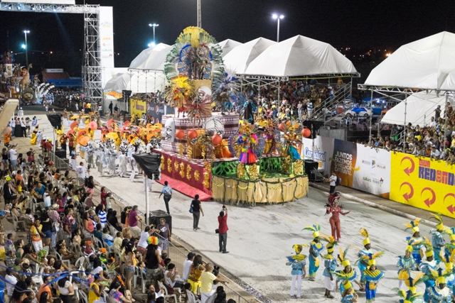 Possível corte da programação da Passarela do Samba tirará ainda mais o brilho do Carnaval (Foto: Biné Morais)