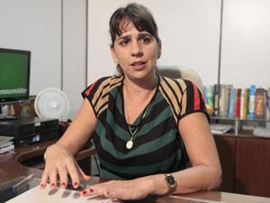 promotora_litia_cavalcanti