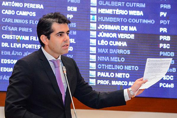 Estado ultrapassa limite da Lei de Responsabilidade Fiscal, afirma Adriano Sarney
