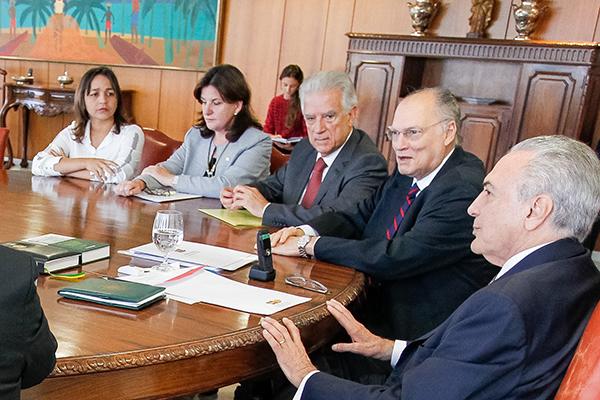 Deputada Eliziane Gama participa de reunião com o presidente da República Michel Temer