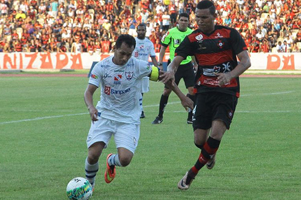 Moto vence o Águia, por 1 a 0, no Castelão e vai decidir vaga em Marabá no próximo domingo (7)