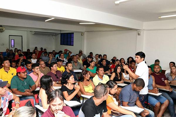 Wellington recebe sugestões de alunos e professores para Plano de Governo