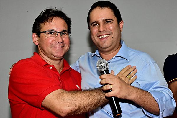 Prefeito Edivaldo Holanda Júnior e candidato a vice Júlio Pinheiro participam de plenária do PCdoB
