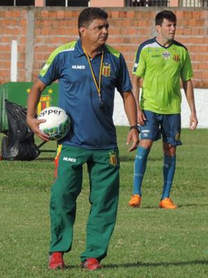 Técnico Flávio Araújo faz a sua reestreia no Sampaio