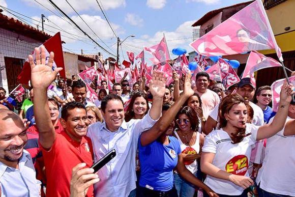 Prefeito Edivaldo Holanda Júnior (PDT) é recebido com festa no bairro de Fátima
