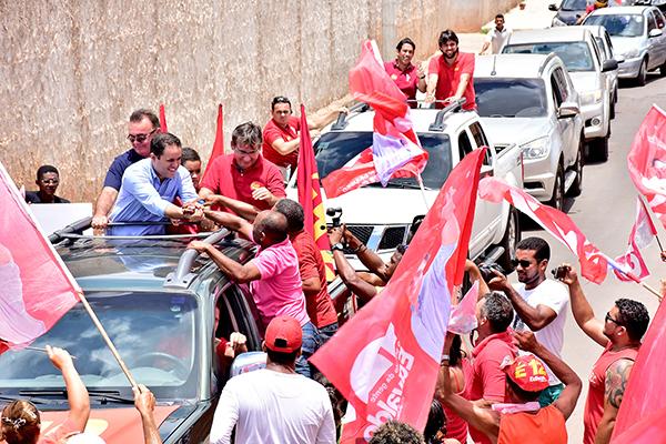 Carreata gigantesca do prefeito EdivaldoHolanda Júnior é festejada no São Raimundo