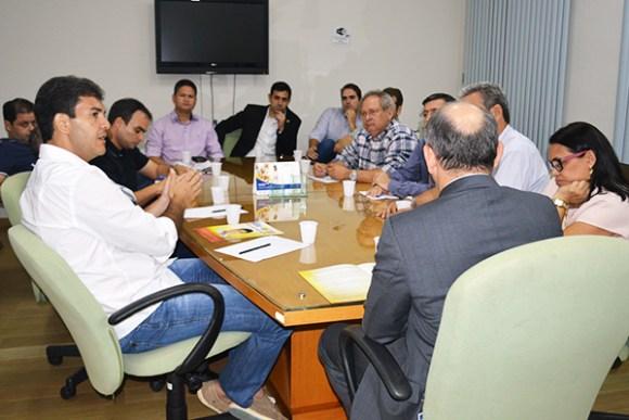 Candidato Eduardo Braide  (PMN) se reúne com dirigentes lojistas de São Luís