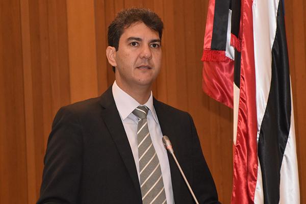 Eduardo Braide vota contra projetos do Governo do Estado que cria multa diária, aumenta juros e antecipa ICMS