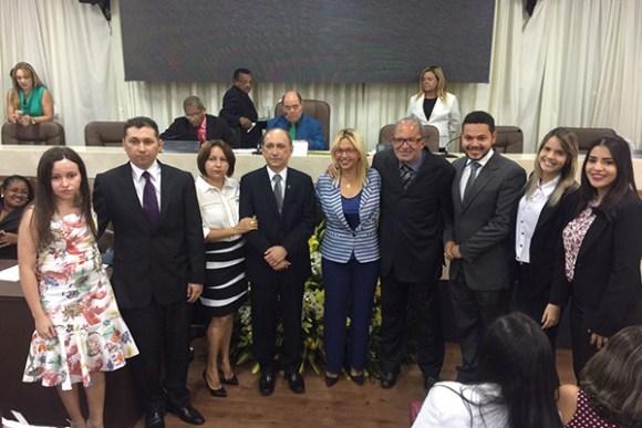 Título a Lourival Serejo foi proposto pela vereadora reeleita Bárbara Soeiro (PSC)
