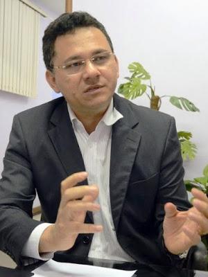 Secretário de Fazenda Raimundo Rodrigues