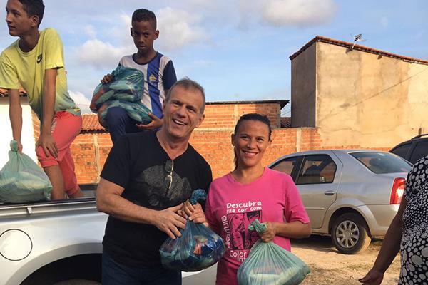Ao todo serão cerca de mil famílias beneficiadas com a distribuição de cestas básicas.