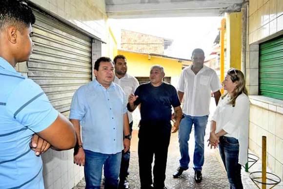 Prefeitura discute ações para melhorar condições sanitárias e de higiene nas feiras e mercados