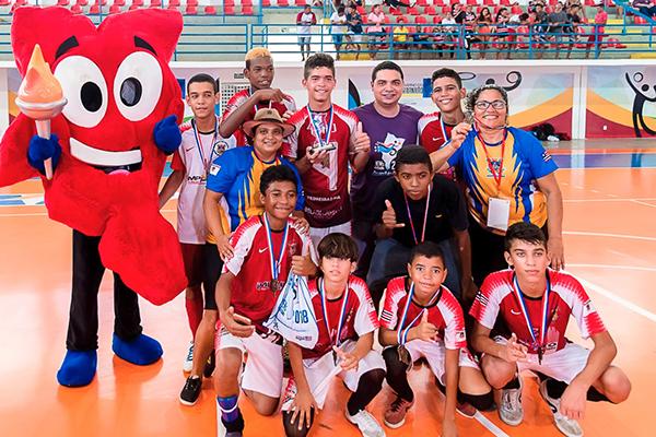 A escola Ceduc venceu a final contra a escola Comecinho de Vida a17b70991326f