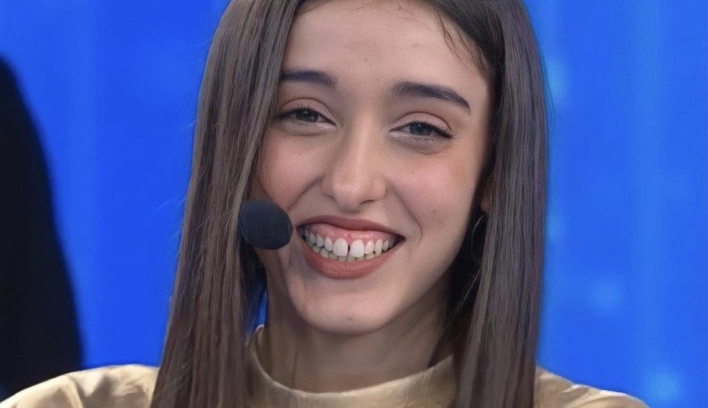 Giulia Stabile a Tu si que vales accanto a Belen Rodriguez: svelato il suo vero ruolo