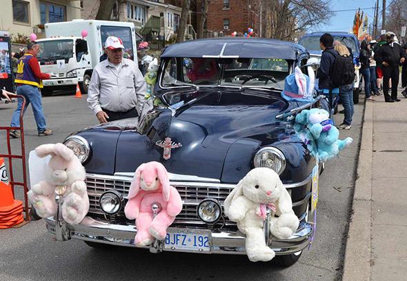 2012409-Beaches-Easter-Parade-2012-5913.jpg